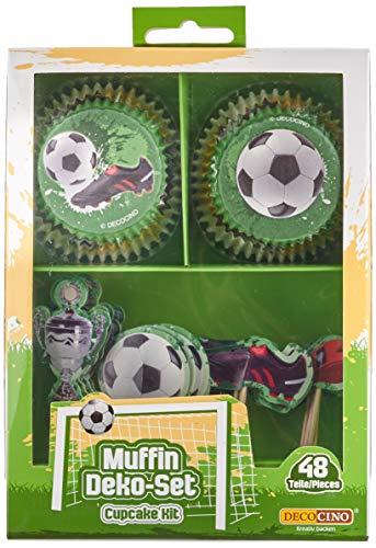 Decocino Muffinset Fußball   HOCHWERTIGE Fußball Muffin Deko von DEKOBACK   Deko für Fußballmuffins, Fußball Cupcakes, Fußballkuchen u.v.m.   1 Pack (48 Teile: 24 Muffinförmchen, ø ca. 5 cm und 24 Muffinsticker)   Fußballdeko kaufen